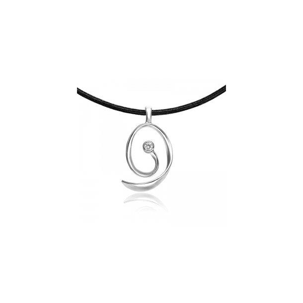 Snoet sølv vedhæng på sort snor