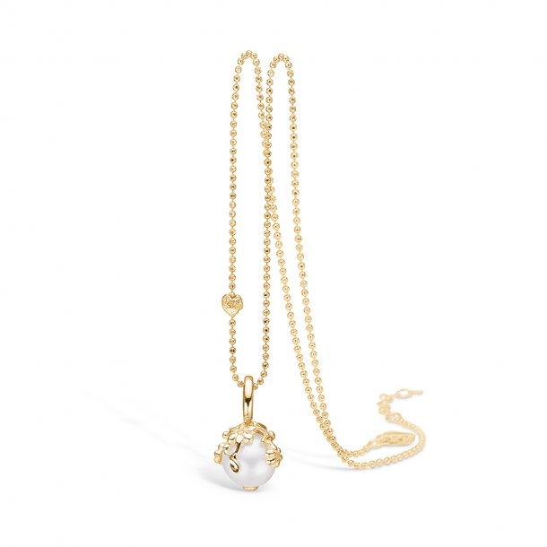 Perlevedhæng i forgyldt sølv kæde