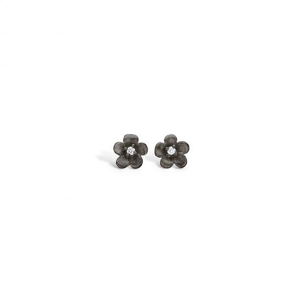 Blomster ørestikker sort rhod. sølv