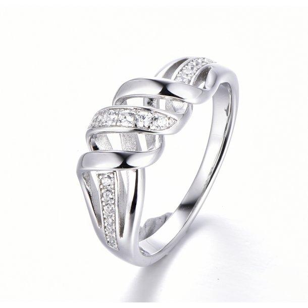 Snoet sølv ring