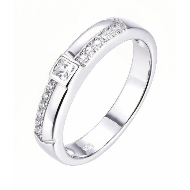 Klassisk sølv ring med sten